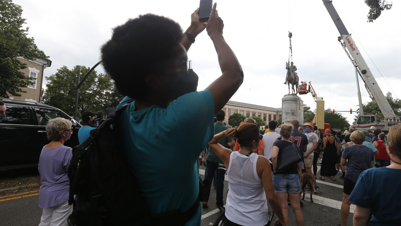 Mayor Stoney orders immediate removal of Confederate monuments