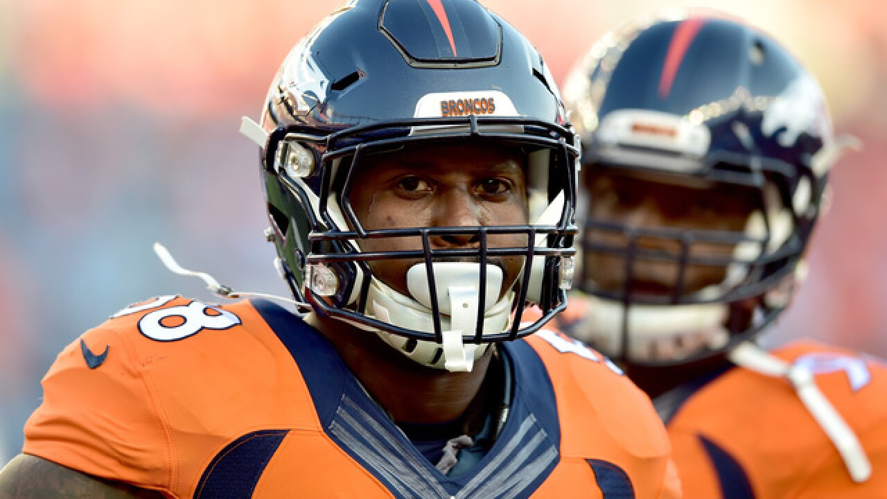 Broncos' Von Miller lowers salary cap number as team chases free agents