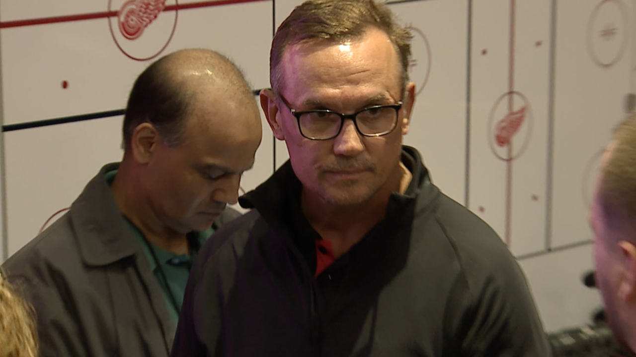 Steve Yzerman 'chipping away' at busy job as Red Wings GM