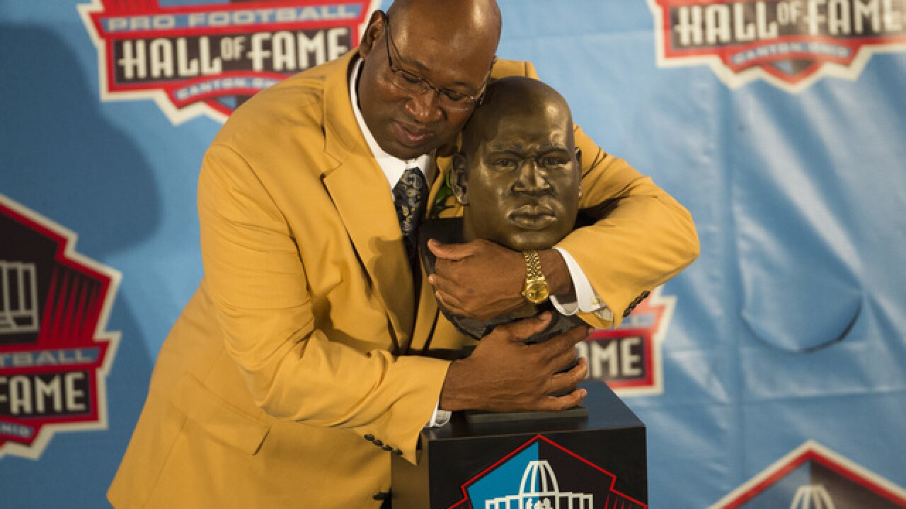 Hall of Fame NFL player Cortez Kennedy dies in Orlando at age 48