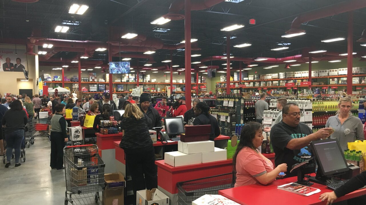 Lee's Discount Liquor opens a huge store in West Wendover, making Utahns run for the border
