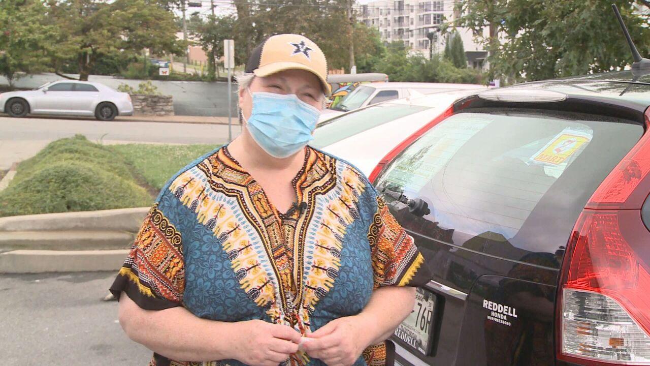 Cancer survivor drives Uber, Lyft to provide lunches for Nashville's homeless