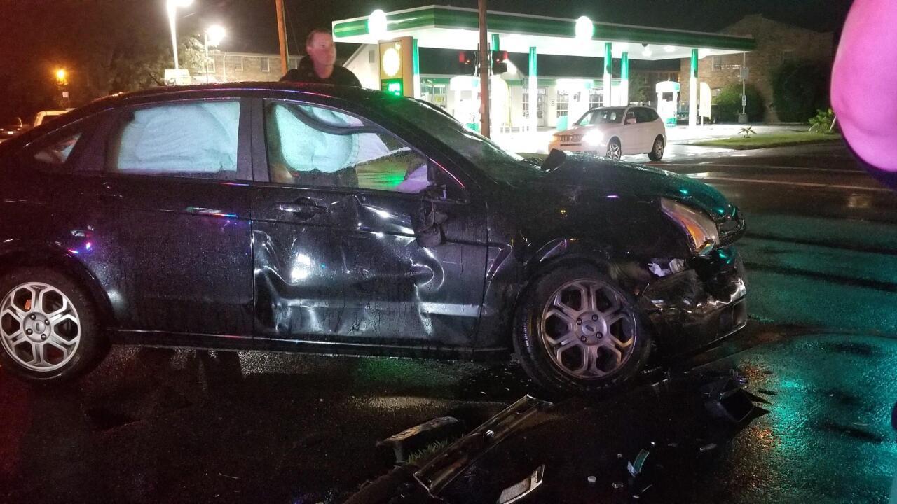 Teen says thief stole purse after car crash inNorfolk
