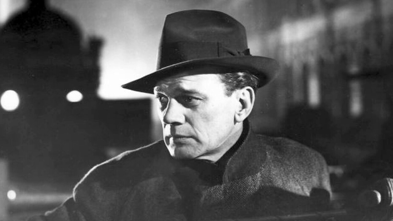 Biographer visits Petersburg to research film star Joseph Cotten