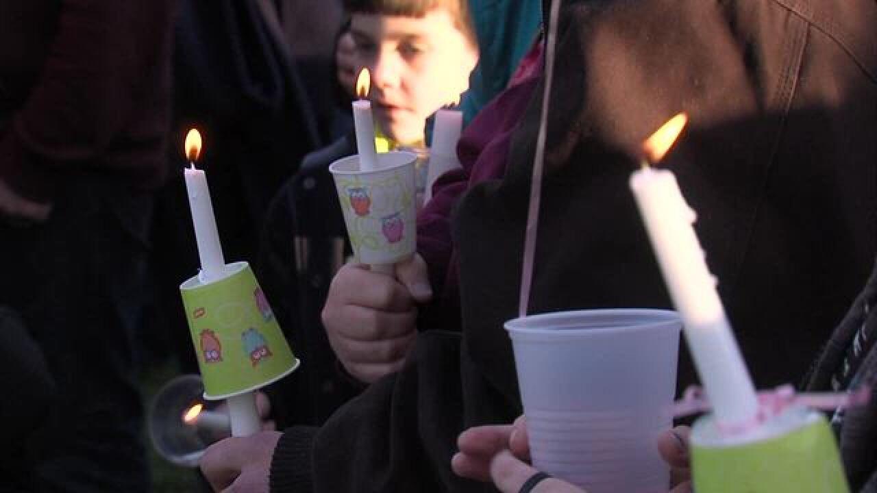 GALLERY: Candlelight vigil for Shaylyn Ammerman