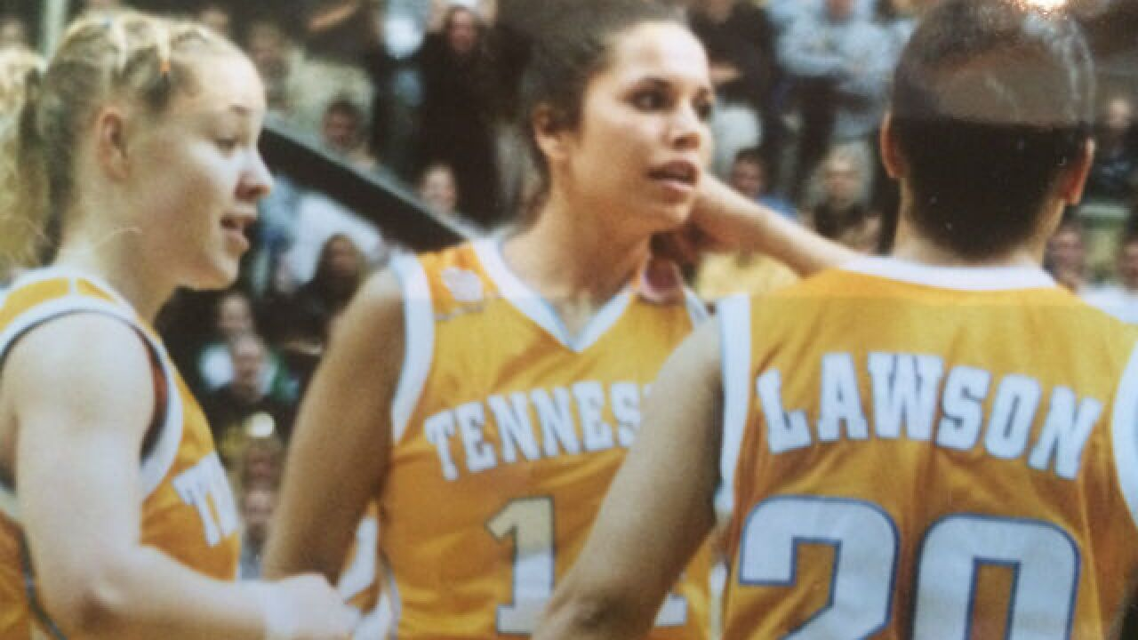 Munoz learned life lessons playing for Summitt