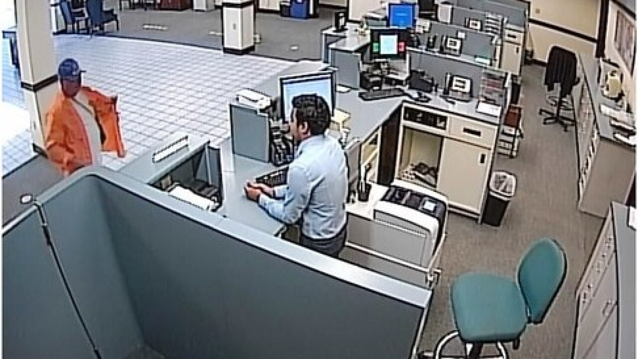 Police respond to bank robbery in Cape Coral