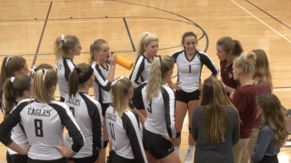 Manhattan Christian volleyball heads to state with momentum