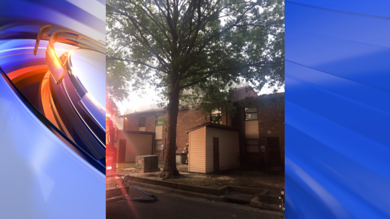 Family of 5 displaced in Suffolk apartment fire