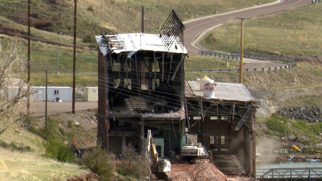 Demolition begins on Rainbow Dam powerhouse