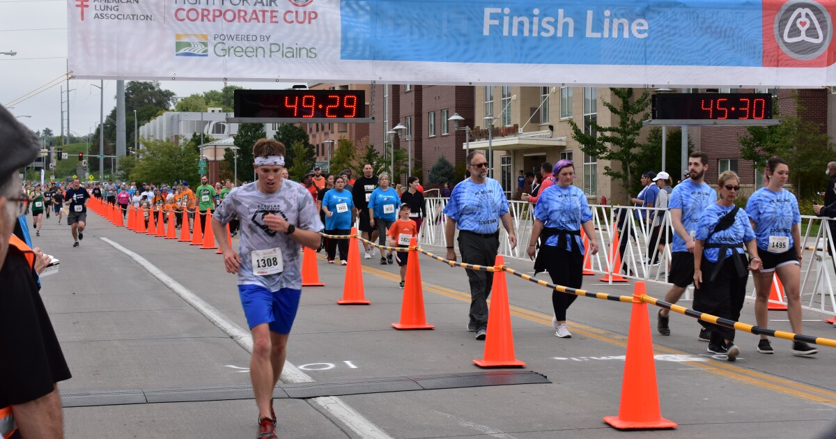 Thousands of Nebraskans raise $335k at Fight For Air Corporate Cup