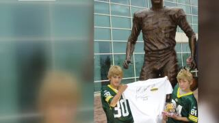 Mother of T.J. and Derek Watt remembers their youth as Packers fans