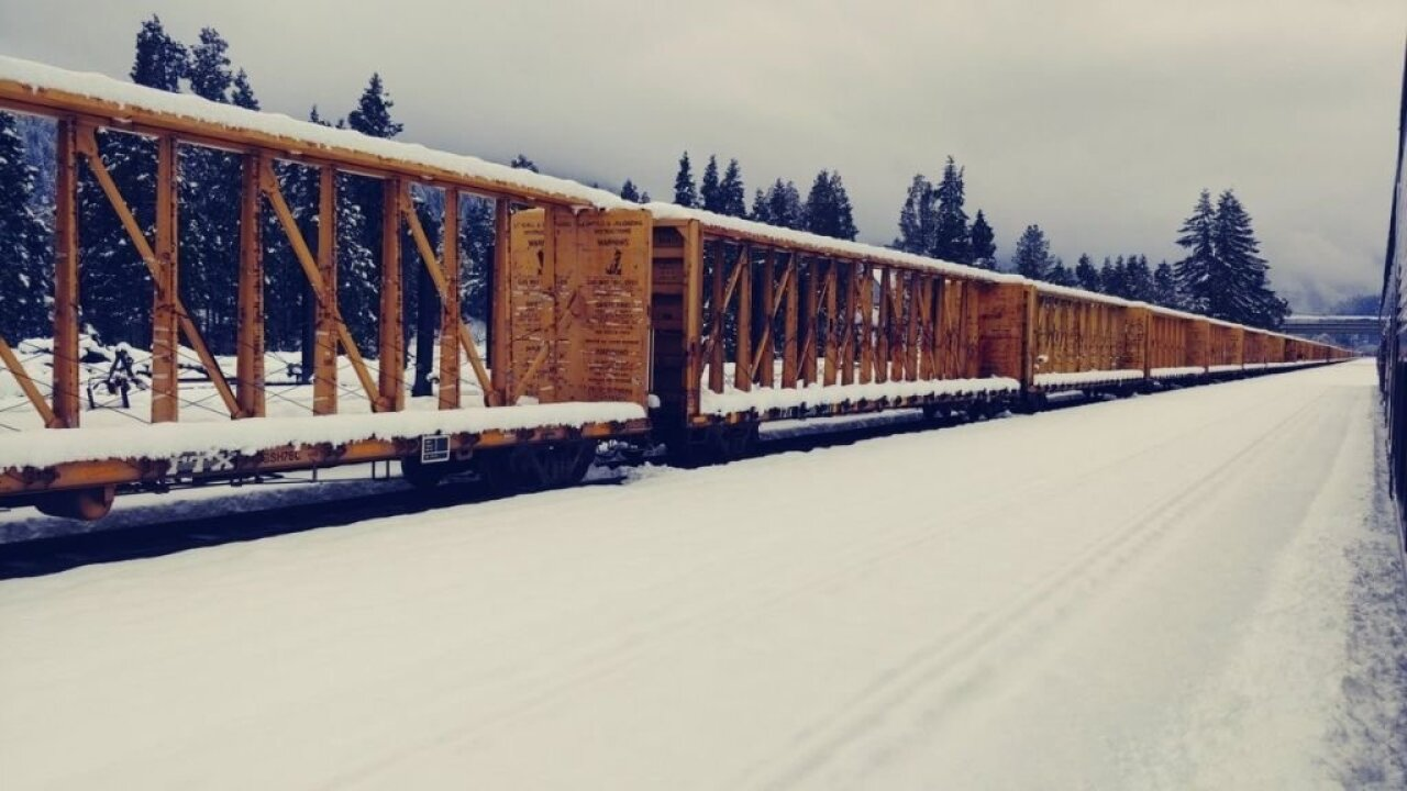 An Amtrak train with 183 passengers has been stranded in Oregon for more than 24 hours