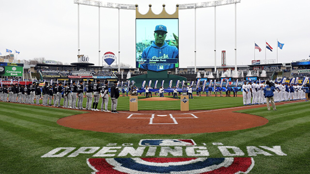 Promising start fades to the White Sox as Royals lose home opener