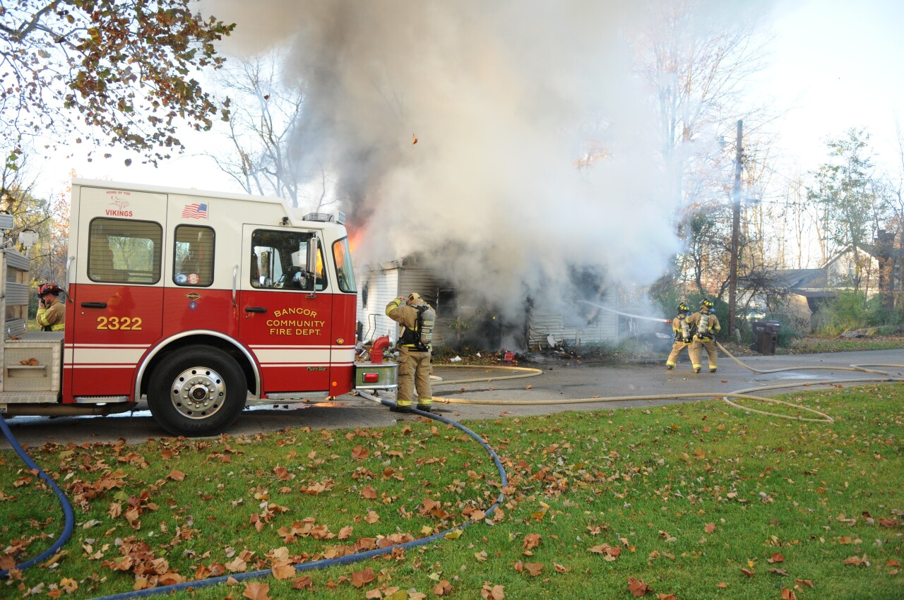 Bangor fire 01 -- South Haven Area Emergency Services.JPG