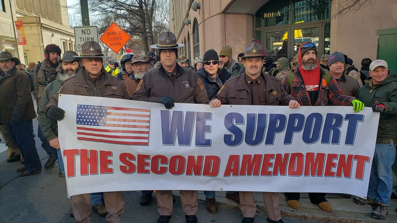 Virginia gun rally pits law enforcers against lawmakers