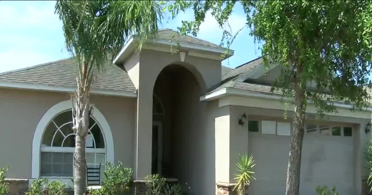 Riverview neighbors upset about abandoned home owned by HOA