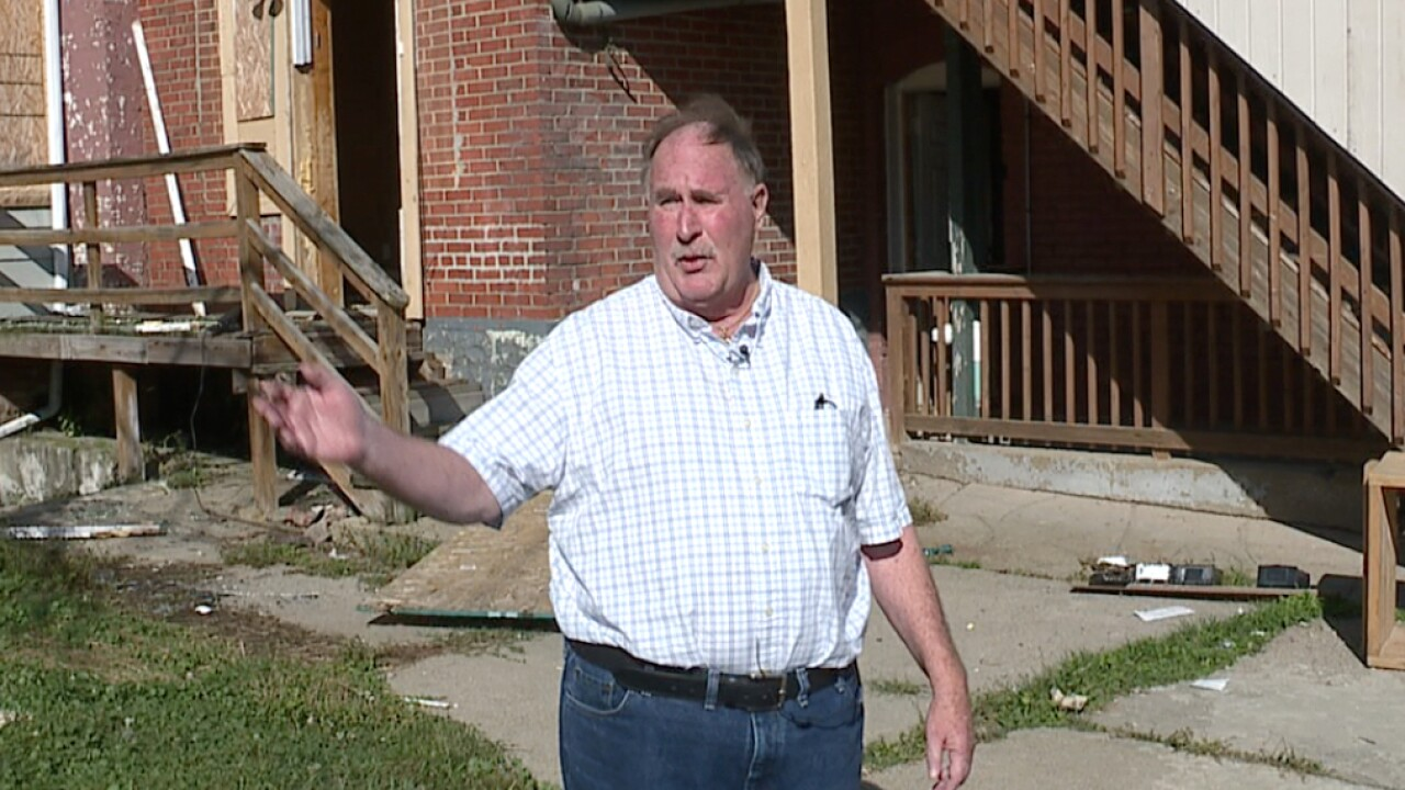 CLE residents share safety concerns about condemned apartment building