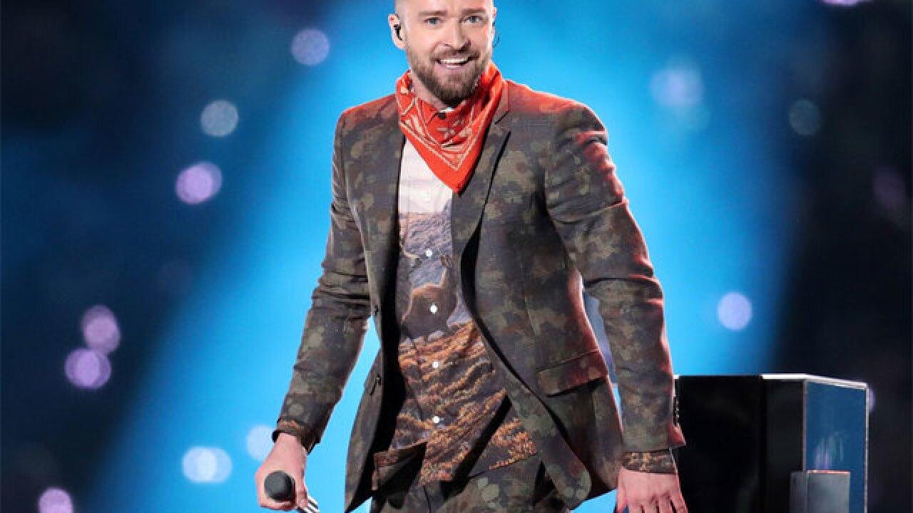 Justin Timberlake postpones concert
