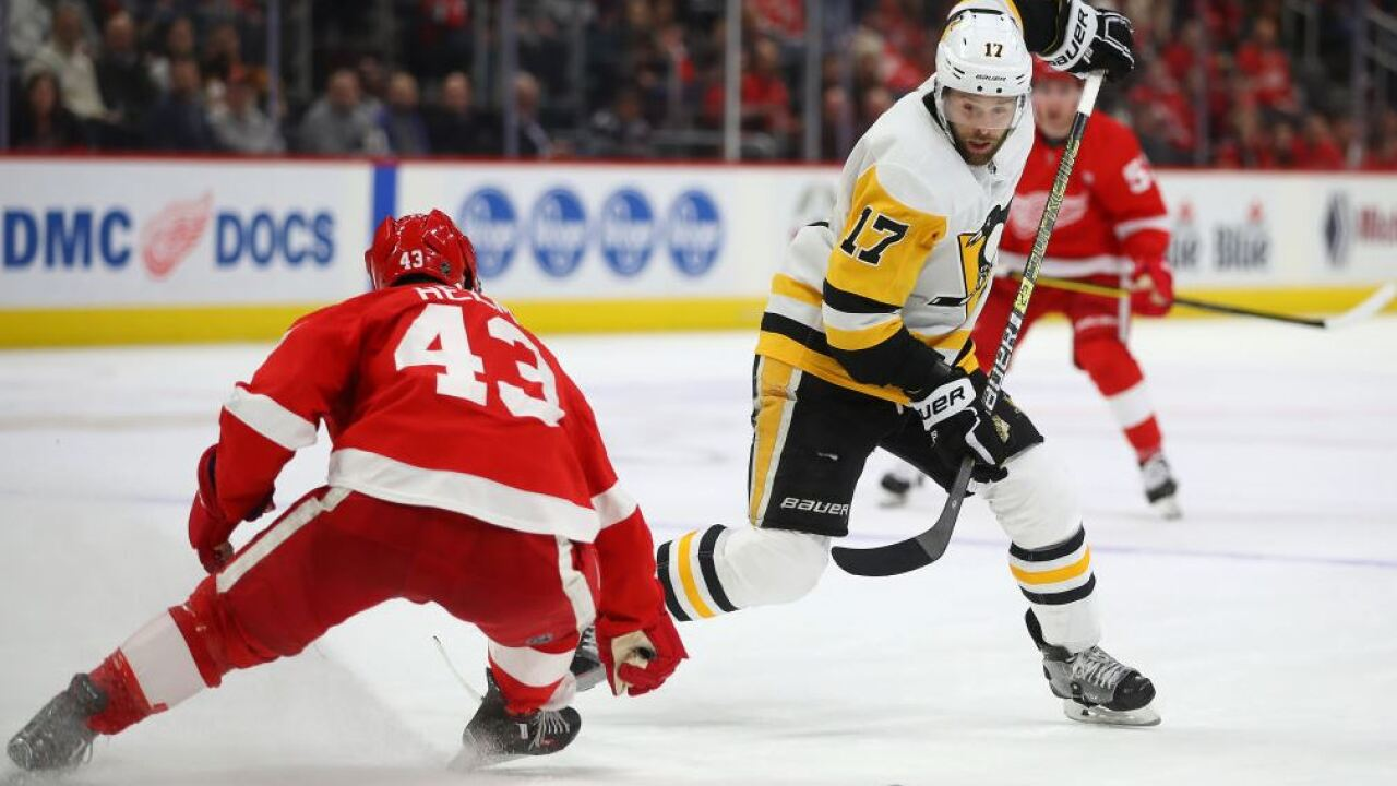 Red Wings lose to Penguins
