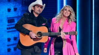 Country music community stops to heal, laugh at CMA Awards