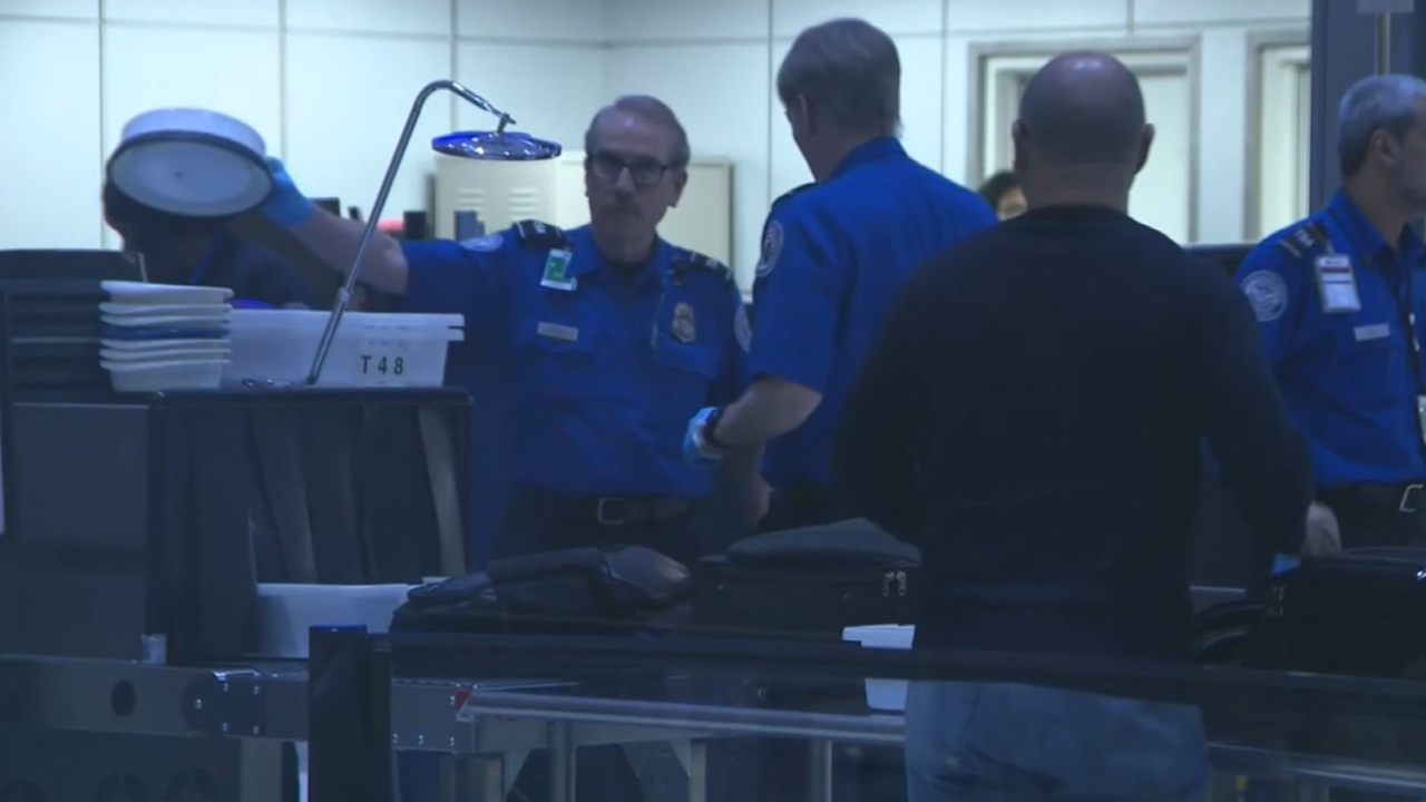 Checkpoints close, long security lines as TSA continues to face shortage during shutdown