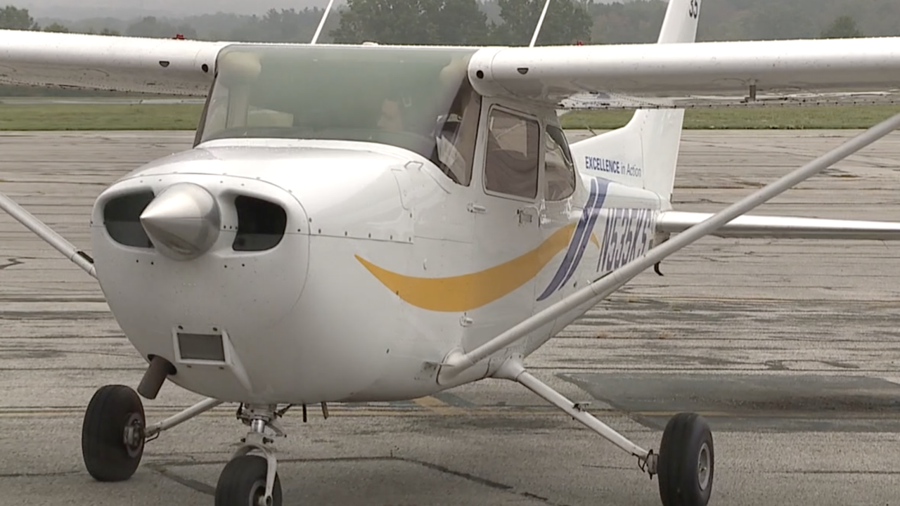 Kent State University prepares students to enter airline pilot field as jobs continue to open