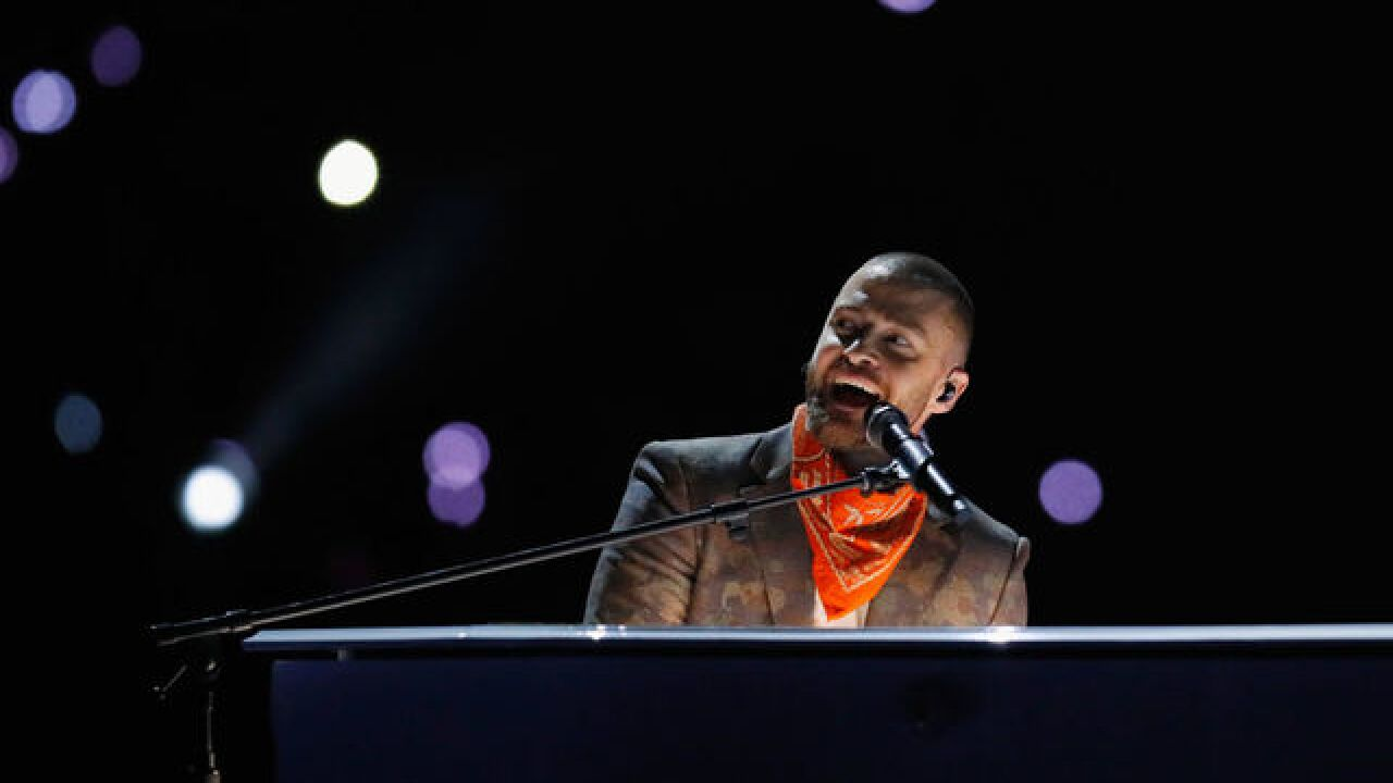 ]Timberlake includes Prince tribute at halftime