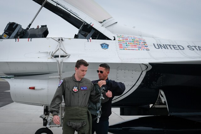 PHOTOS: Behind the scenes with the Thunderbirds before the Cleveland National Air Show