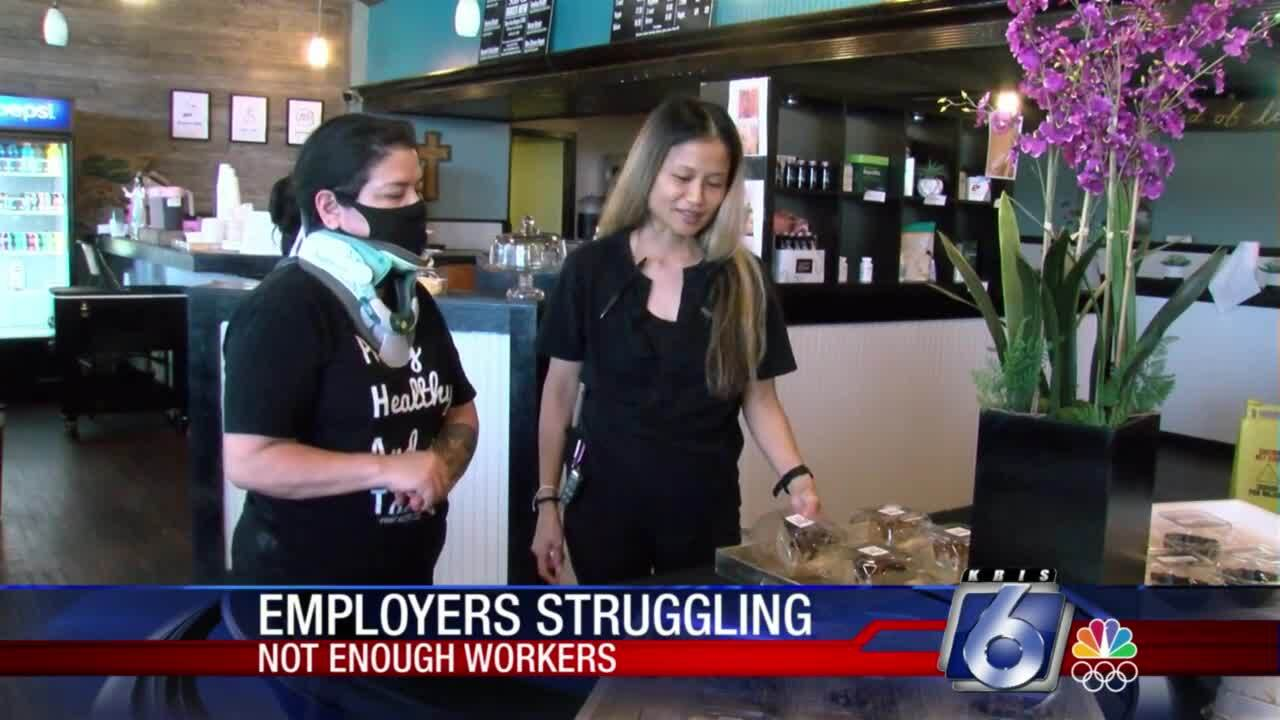 Employers at restaurants struggle to find employees