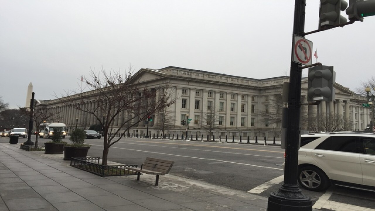 PHOTOS: Washington D.C. prepares for storm