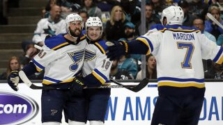 Blues defense fuels offense in 4-2 Game 2 win over Sharks