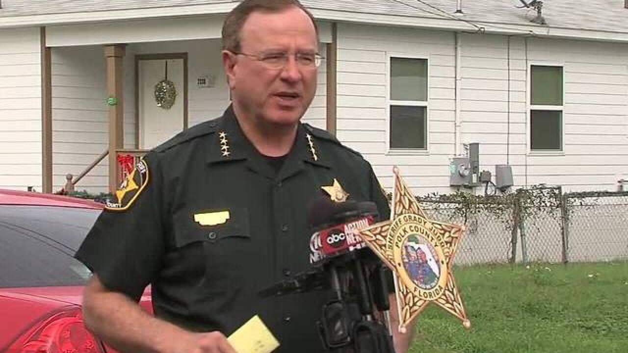 Deputies investigate shooting in Lakeland
