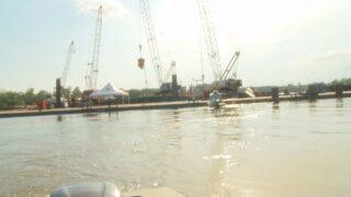 Governor Edwards visits sunken barge site