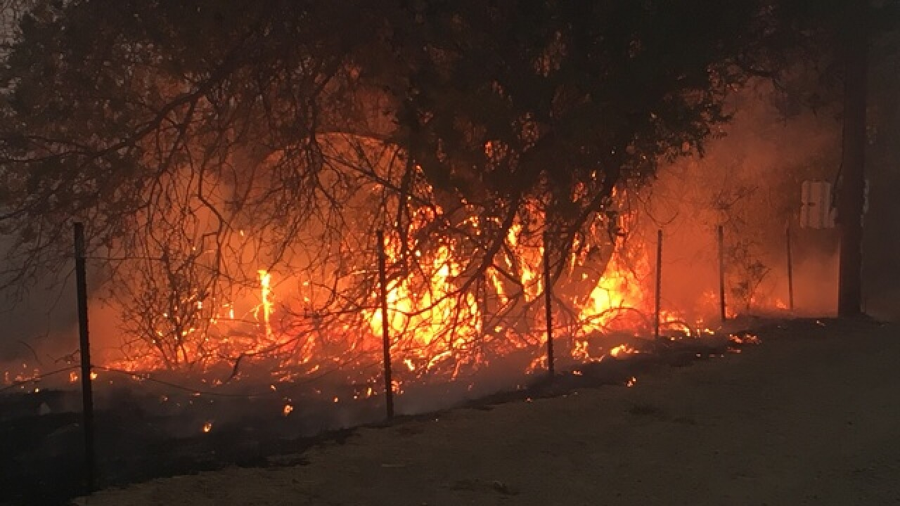 Woolsey Fire levels homes in Calabasas