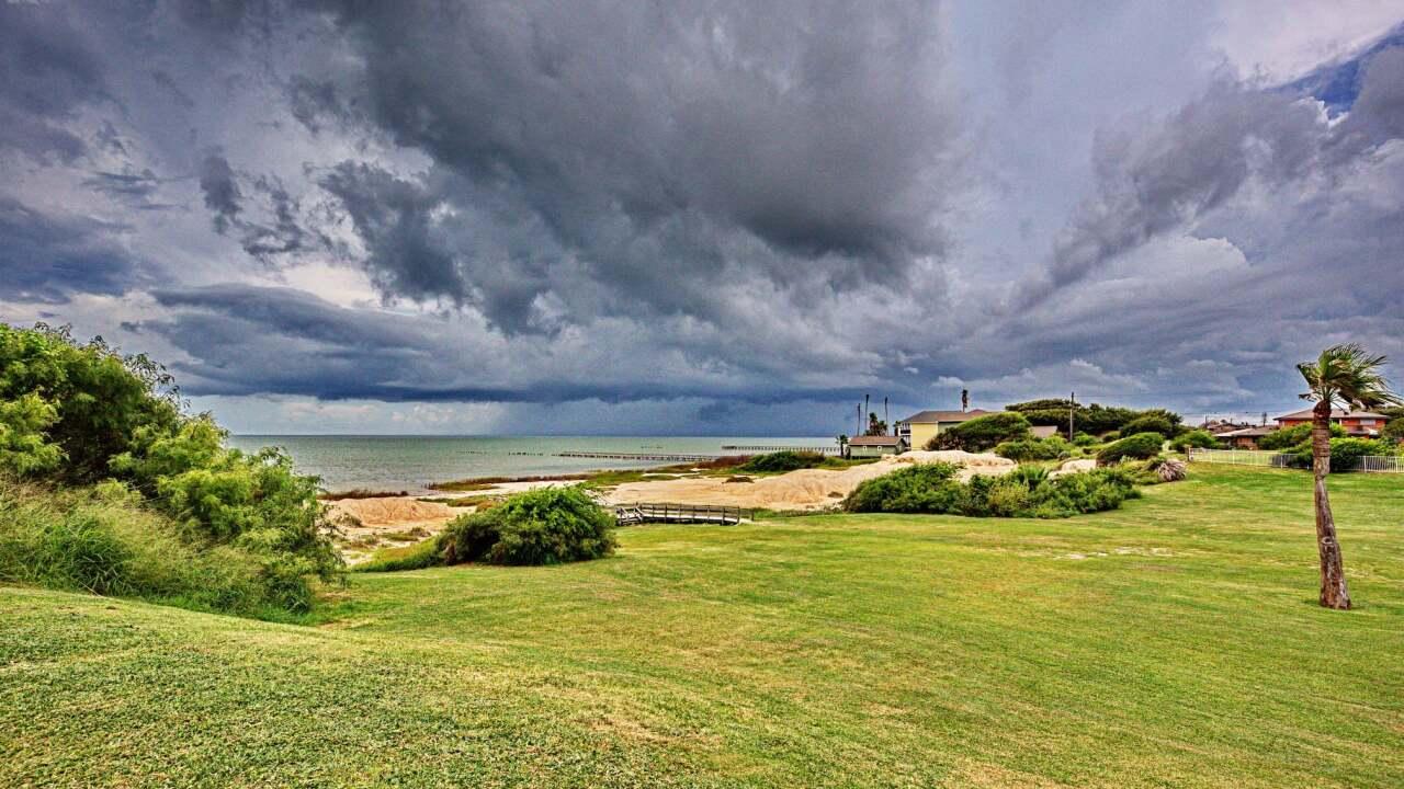 Stormy Skies at Bayside Park in Portland, TX - Photo By: FB Coastal Bend Weather Watcher Ian Cummings