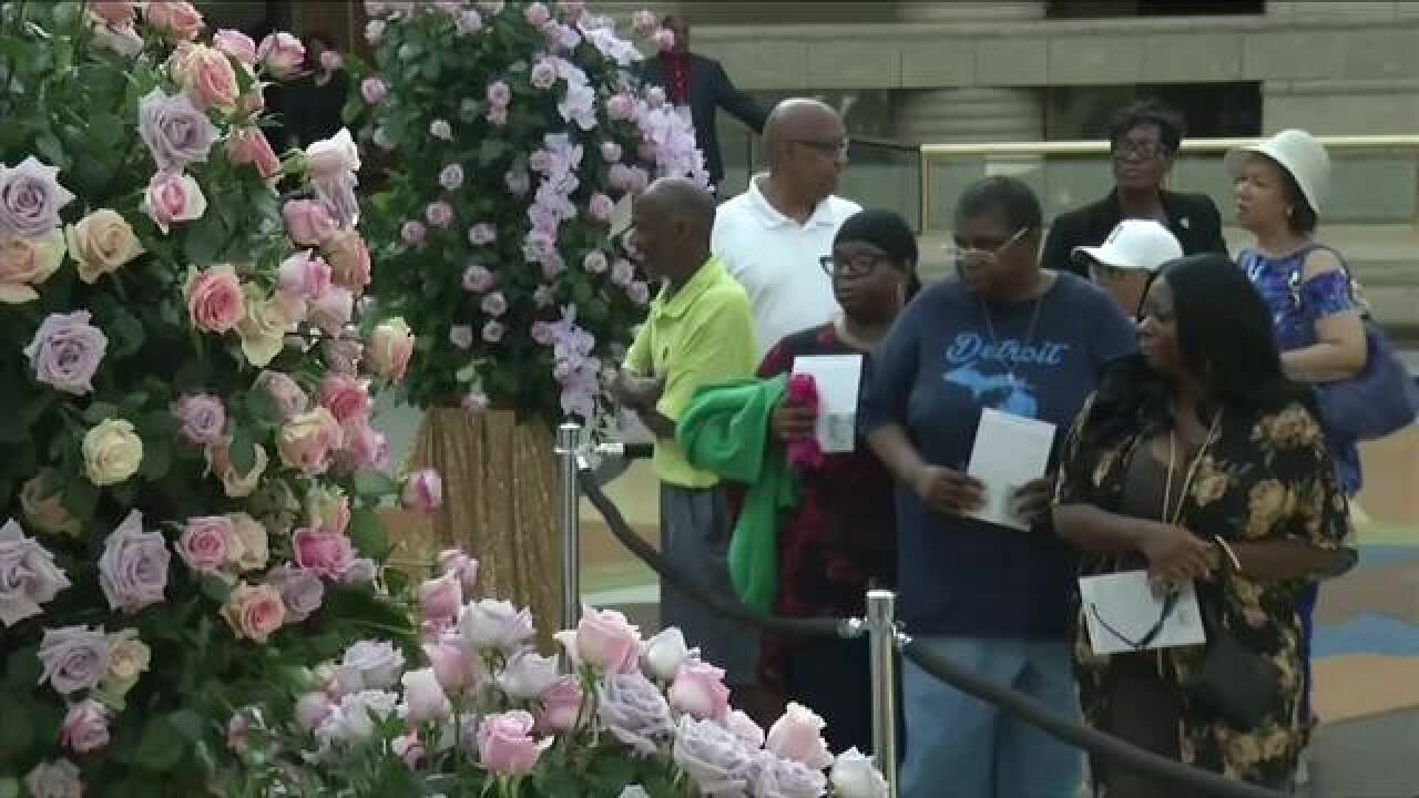 PHOTO GALLERY: Visitors pay respects to Aretha Franklin at visitation in Detroit