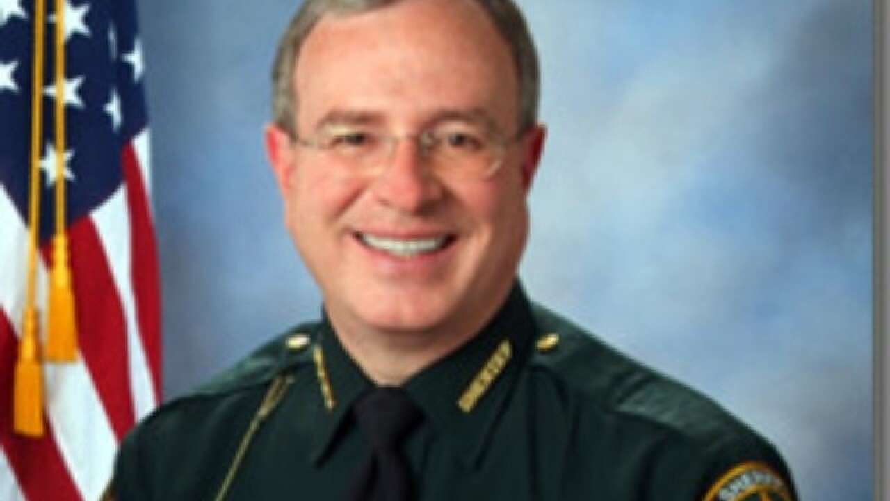 Florida sheriff to make arrests at Irma shelters