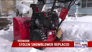 Lowe's replaces man's stolen snowblower