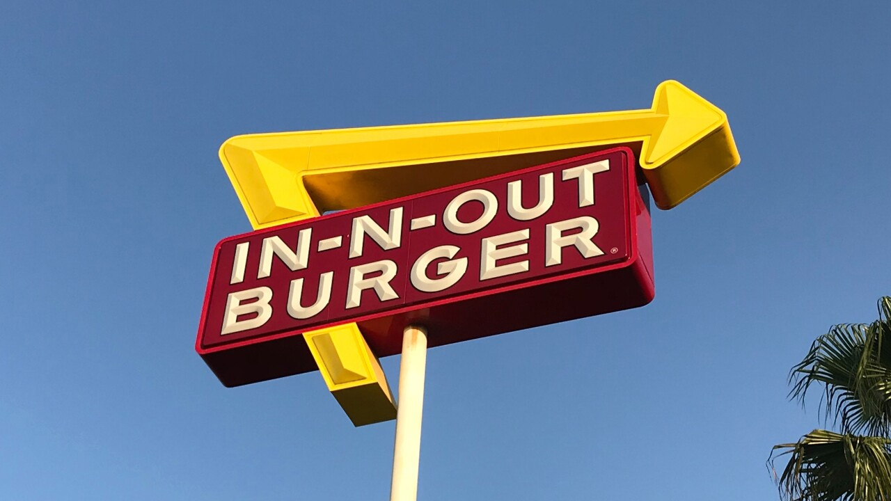 14 hours for a burger: In-N-Out enthusiasts line up at Town Center of Aurora