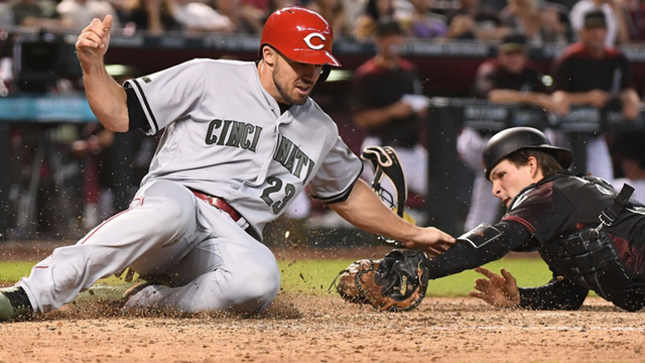 D-backs hit 3 HRs, offense erupts for 12-5 win over Reds