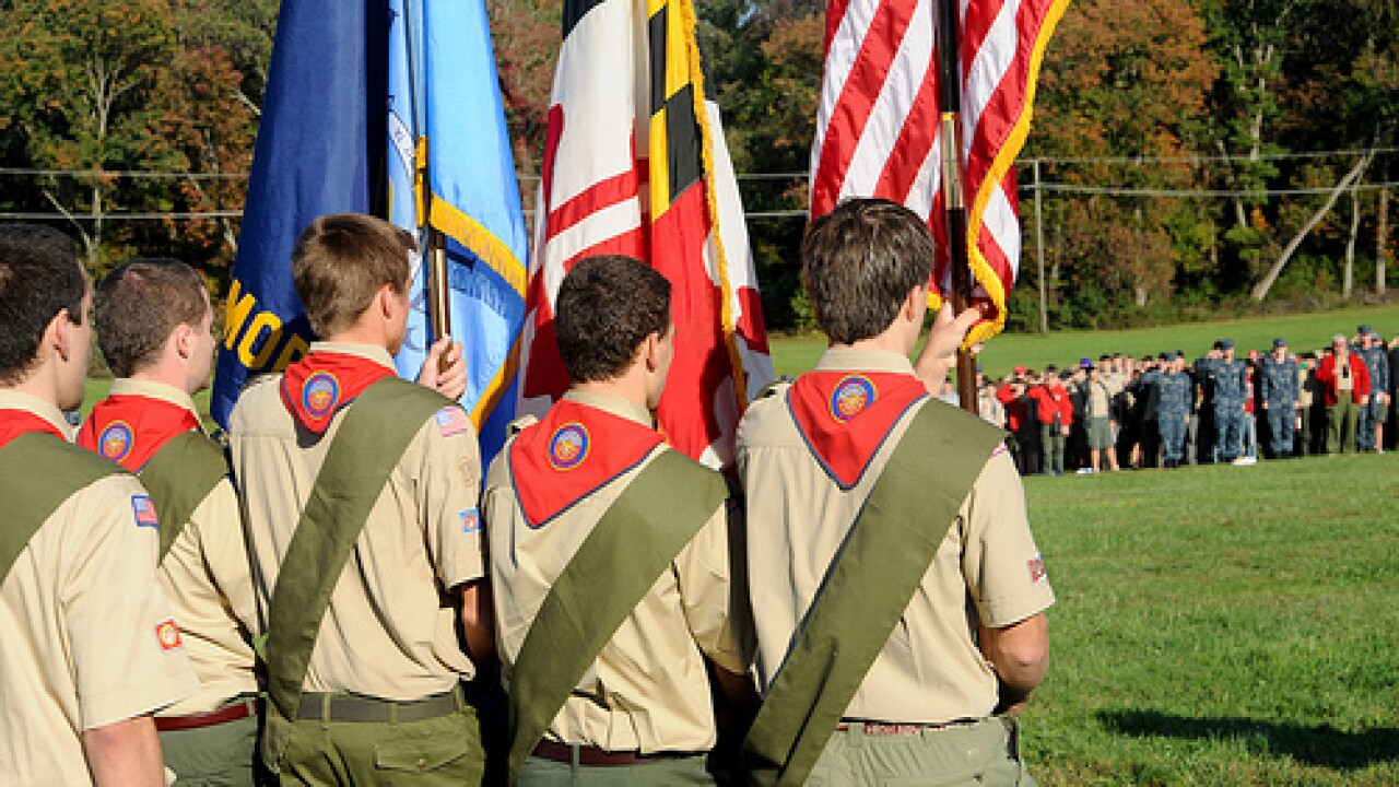 Boy Scouts to study ban on gay leaders