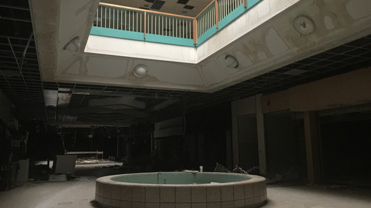 A last look inside Metro North Mall