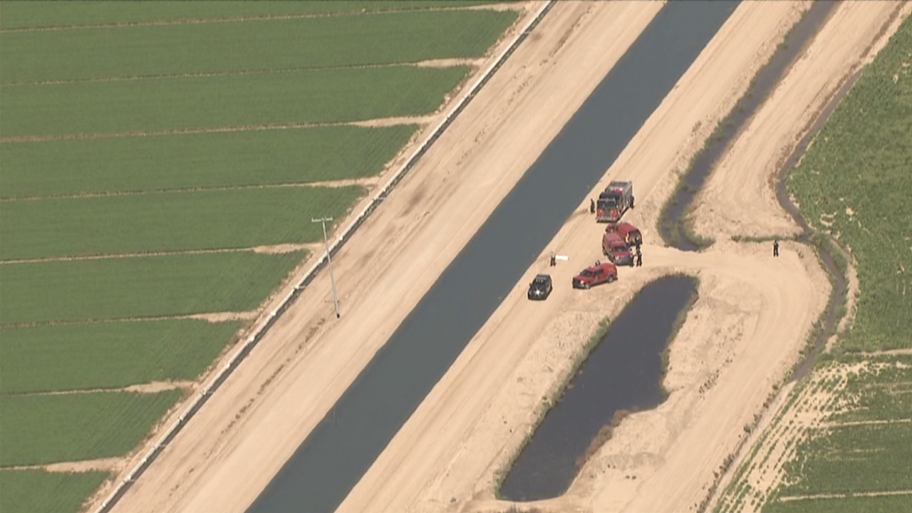 KNXV Buckeye Sun Valley Parkway Body in Canal 6-3-19.png