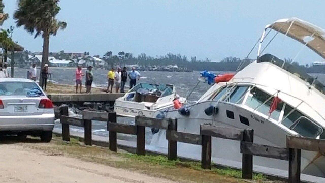 2 boats wash up onto rocks in Jensen Beach