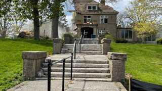 wakefield mansion demolition 1.jpg
