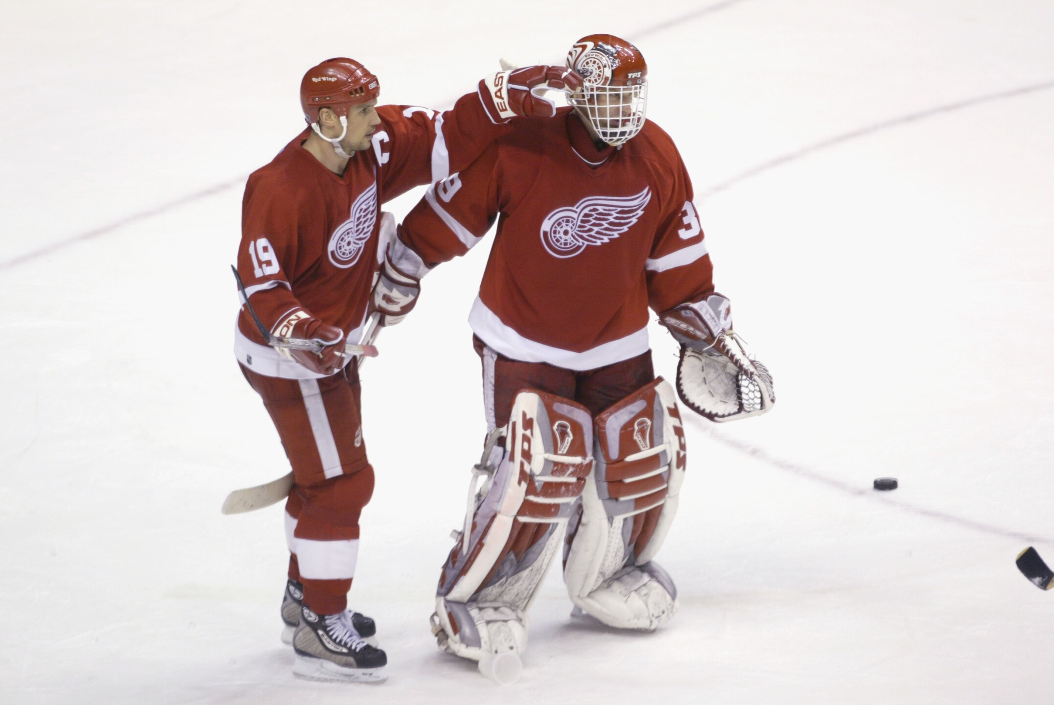 Red Wings v Canucks