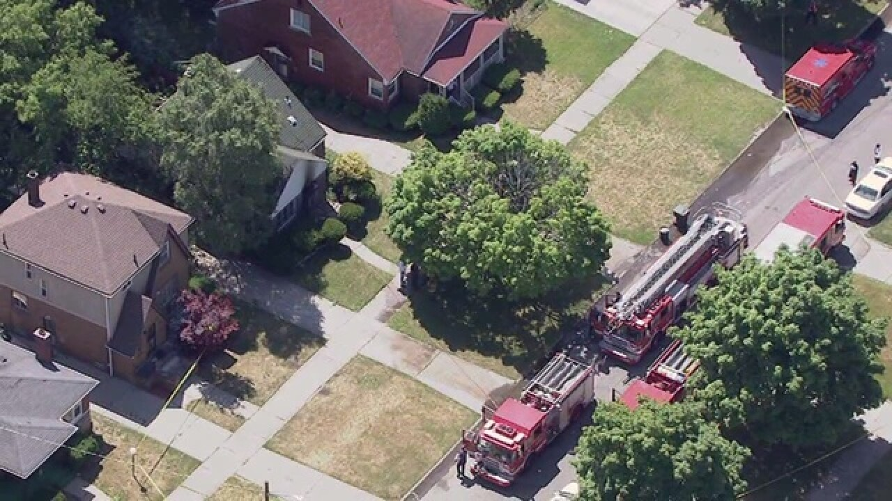 One person killed in fire on Detroit's east side