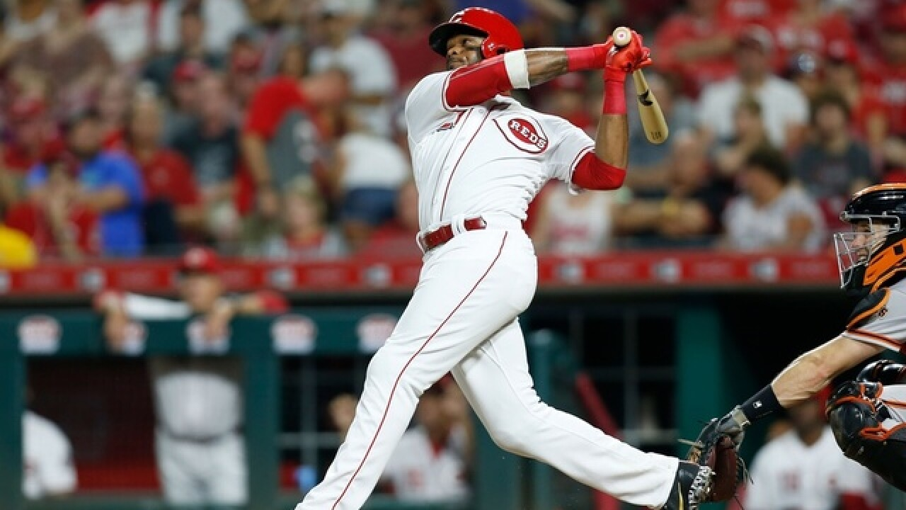 Ervin's leadoff home run in 11th lifts Reds over Giants 2-1