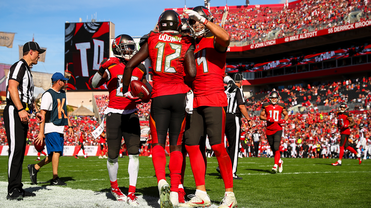 Tampa-Bay-Buccaneers-Team-Photo.png